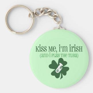 Béseme, yo son irlandés llavero redondo tipo pin