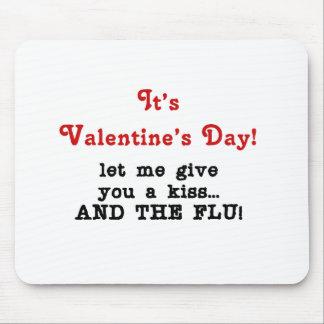 Beso anti de la tarjeta del día de San Valentín Alfombrilla De Ratones