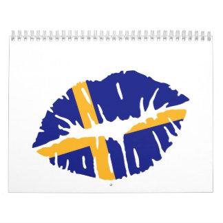 Beso de la bandera de Suecia Calendario De Pared