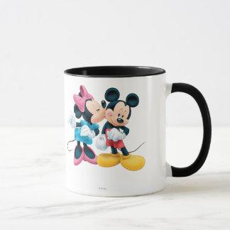 Beso de Mickey y de Minnie el   en mejilla