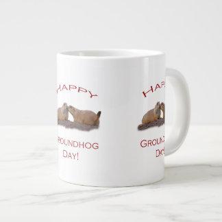 Beso del día de la marmota taza grande