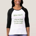 Beso del día de St Patrick Camisetas