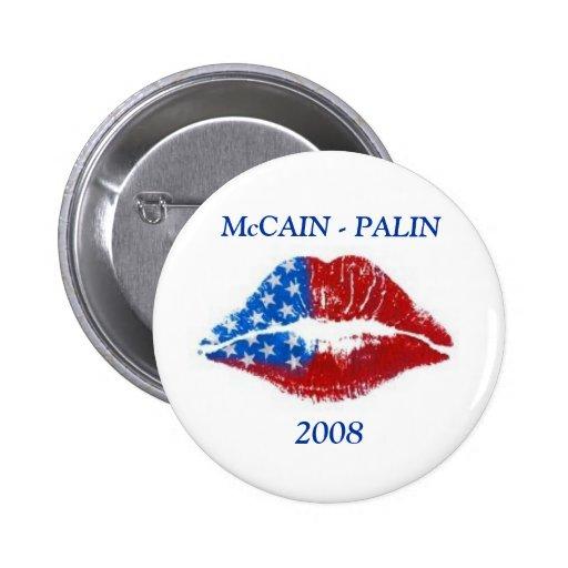 Beso del lápiz labial de la bandera, McCAIN - PALI Pin Redondo 5 Cm