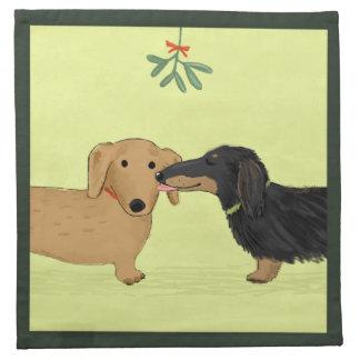 Beso del muérdago del Dachshund - navidad del perr Servilletas