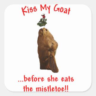 Beso del tema del navidad mi cabra calcomanía cuadrada personalizada