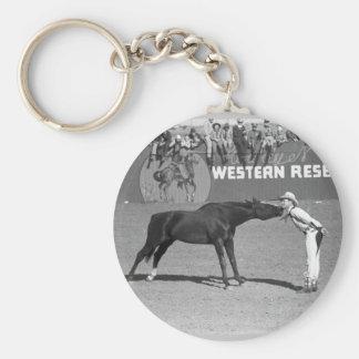 Beso grande del caballo, 1940 llavero redondo tipo pin