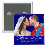 Beso real del boda de Guillermo y de Kate Pin
