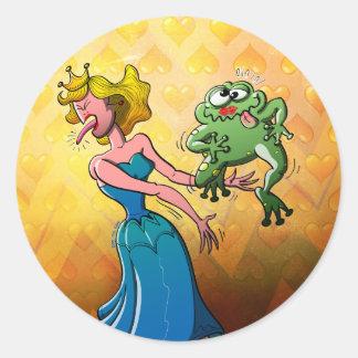 Beso repugnante para una princesa pegatina redonda