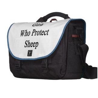 Beso solamente a los chicas que protegen ovejas bolsa para ordenador