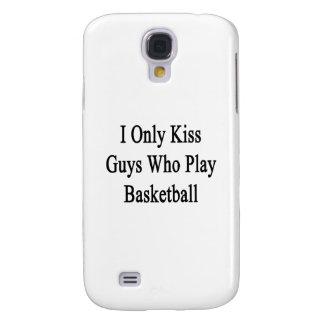 Beso solamente a los individuos que juegan a funda para galaxy s4