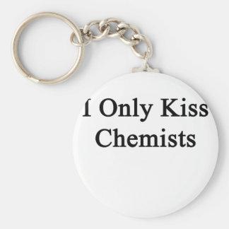 Beso solamente a químicos llavero redondo tipo pin
