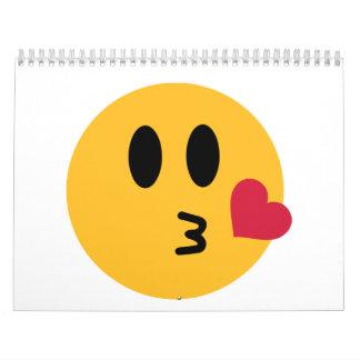 Beso sonriente del corazón calendario
