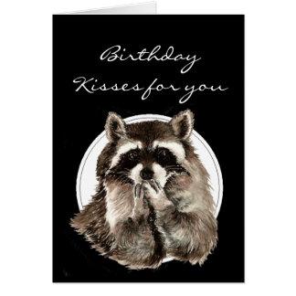 Besos de encargo del cumpleaños para el mapache li tarjeta de felicitación