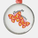 Besos de la mariposa adorno navideño redondo de metal