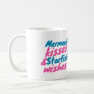 Besos de la sirena y deseos de las estrellas de taza clásica