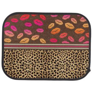 Besos de los labios del estampado leopardo alfombrilla de auto