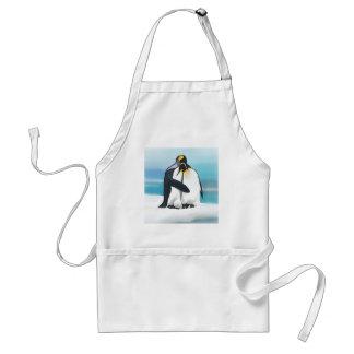 Besos del amor del pingüino delantal