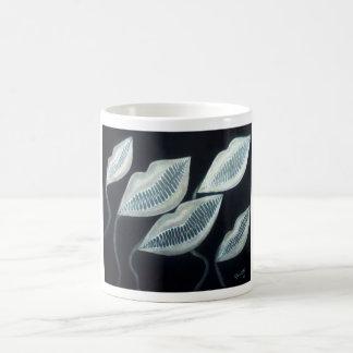Besos del asesino taza de café