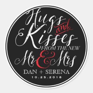 Besos nuevos Sr. y señora Wedding Favor Sticker de Pegatina Redonda