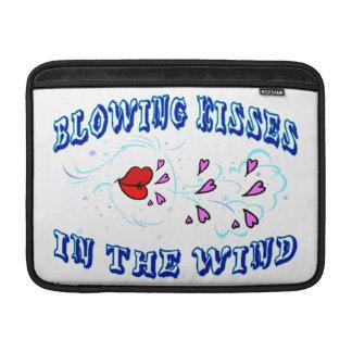 Besos que soplan en el viento fundas MacBook