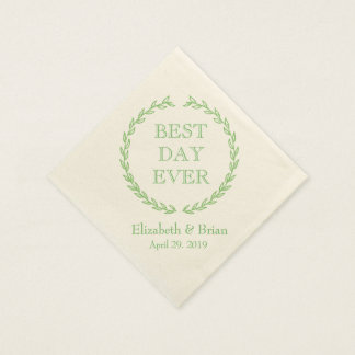 """""""Best Day Ever"""" Green Wreath Personalized Wedding Paper Napkin"""