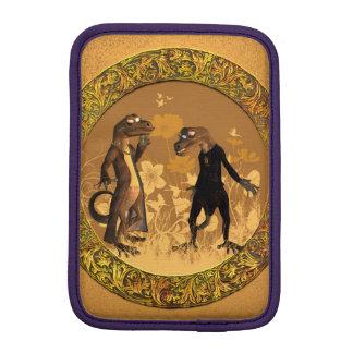 Best friends, funny geckos iPad mini sleeve