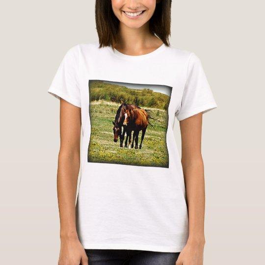 """Best Friends"" - Pair of Horses T-Shirt"
