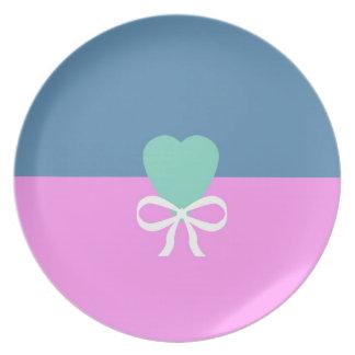 BEST-SELLING ORIGINAL DESIGN LOVE GREEN HEART MELAMINE PLATE