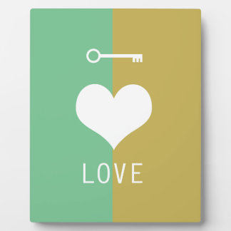 BEST-SELLING ORIGINAL HEART LOVE & KEY DESIGN DISPLAY PLAQUES