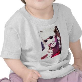 Beth Clews el modelo del encanto Camisetas