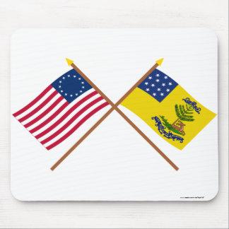 Betsy Ross y dólares cruzados de las banderas de A Alfombrilla De Ratón