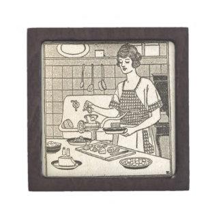 Bettina Cooking Savory Pie Jewelry Box