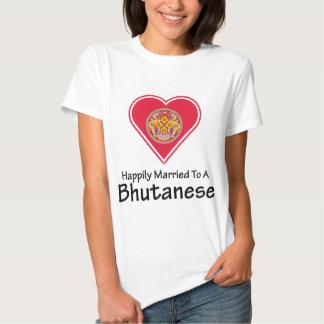 Bhutanese feliz casado playera