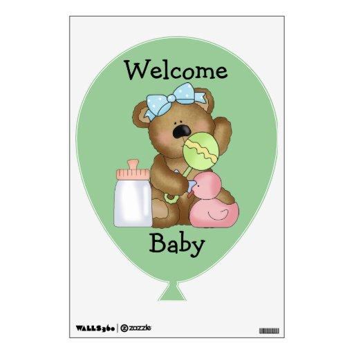 Biberón, pato y traqueteo agradables del bebé
