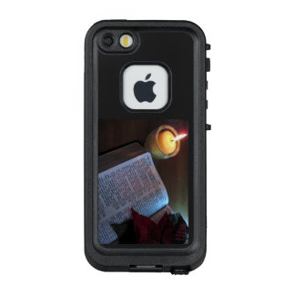 Bible and Candle FRĒ® for Apple iPhone SE/5/5s