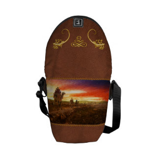 Bible - Wise men - The Magi arrive 1920 Courier Bag