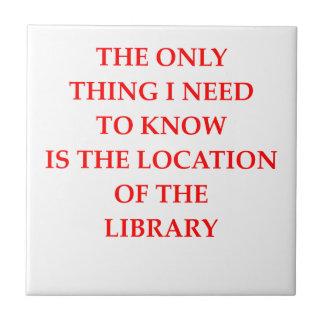 biblioteca azulejo cuadrado pequeño