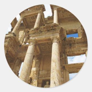 Biblioteca cent3igrada, edificio romano famoso - pegatina redonda