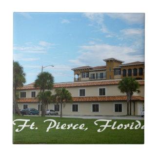 biblioteca céntrica de Fort Pierce la Florida Teja Cerámica