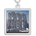 Biblioteca de Celsus, construida en el ANUNCIO 135 Colgante Cuadrado