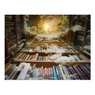 Biblioteca en el cielo postal