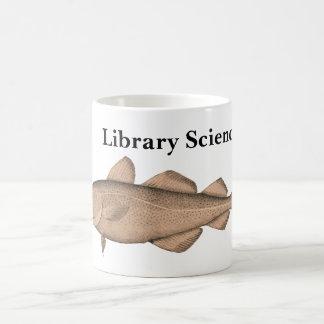 Biblioteca Sciencer con la taza del bacalao