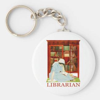 Bibliotecario de Coles Phillips Llavero Redondo Tipo Pin