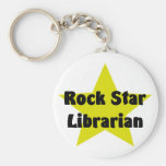 Bibliotecario de la estrella del rock llavero redondo tipo pin