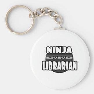 Bibliotecario de Ninja Llavero Redondo Tipo Pin