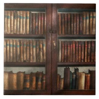 Bibliotecario - en la biblioteca azulejo cuadrado grande