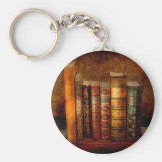 Bibliotecario - escritor - libros anticuarios llavero redondo tipo pin