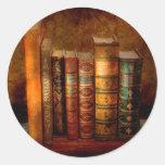 Bibliotecario - escritor - libros anticuarios pegatinas redondas