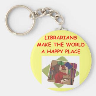 bibliotecario llavero redondo tipo pin