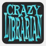 Bibliotecario loco en trullo calcomanía cuadradas